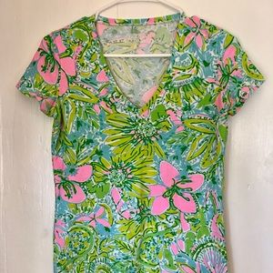 Lilly Pulitzer Michelle V neck  T Shirt